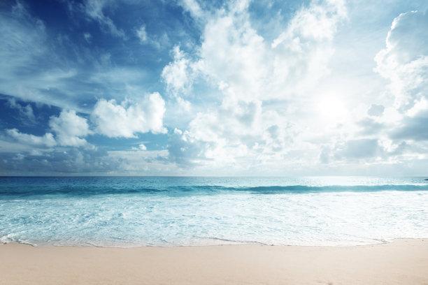 海滩鸡尾酒水