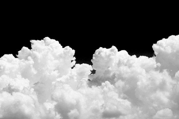 白色云黑色背景