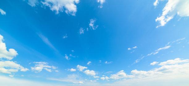 蓝色天空云景