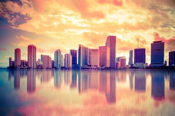 色彩鲜艳城市天际线迈阿密