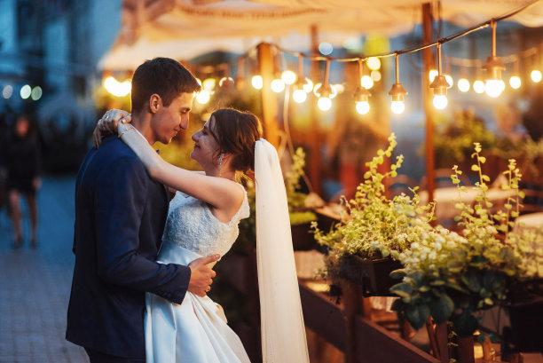 异性恋婚礼图片