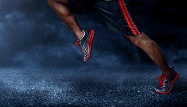 奔跑中鞋子展示