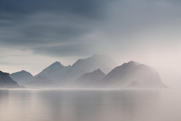 挪威夏天多云