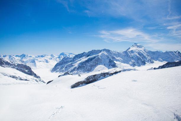 瑞士阿尔卑斯山脉航拍视角