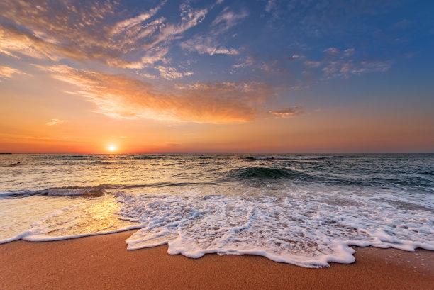 黎明海面摄影