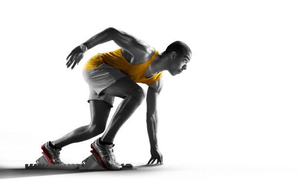田径运动员慢跑图片