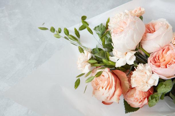一束粉色玫瑰