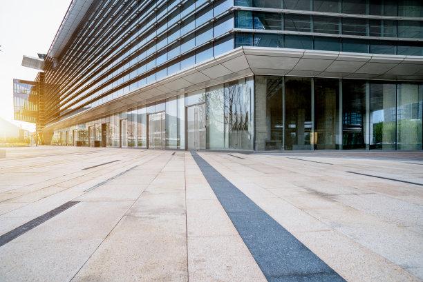 建筑外部现代正面视角