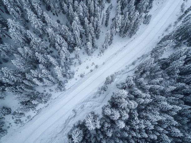 无人机视角雪景