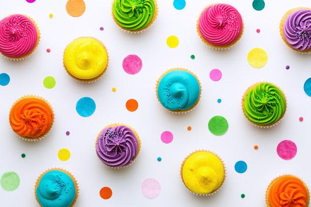 彩色纸杯蛋糕背景