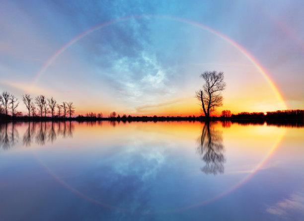 唯美对称湖上彩虹