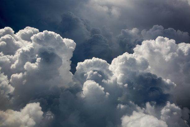 积雨云云乌云