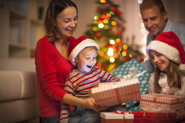 圣诞礼物家庭幸福