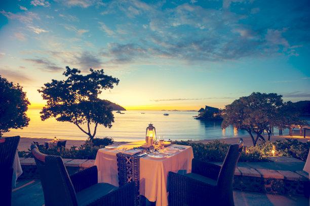 浪漫餐馆海滩