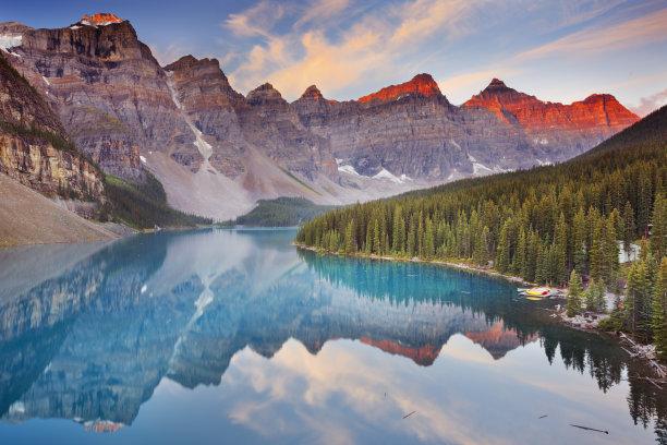梦莲湖加拿大黎明