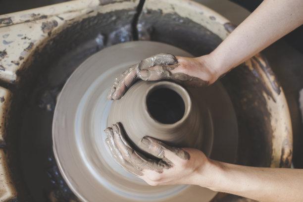 手陶工旋盘陶瓷制品