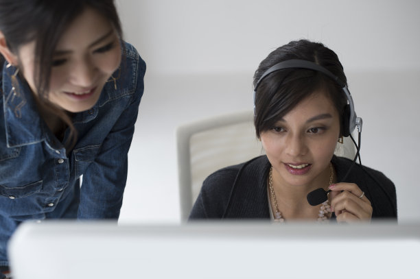 顾客女人图片