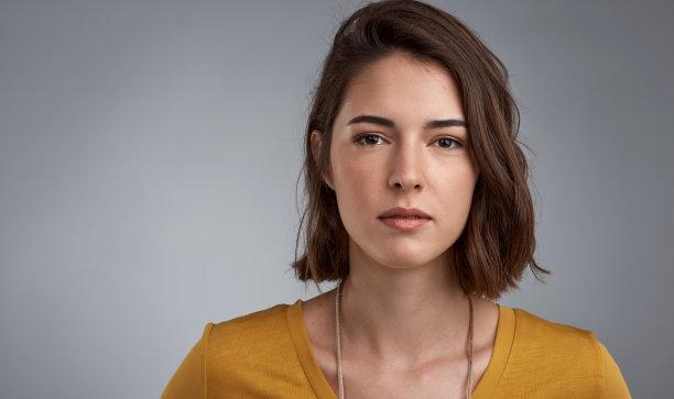 短发女性人像摄影