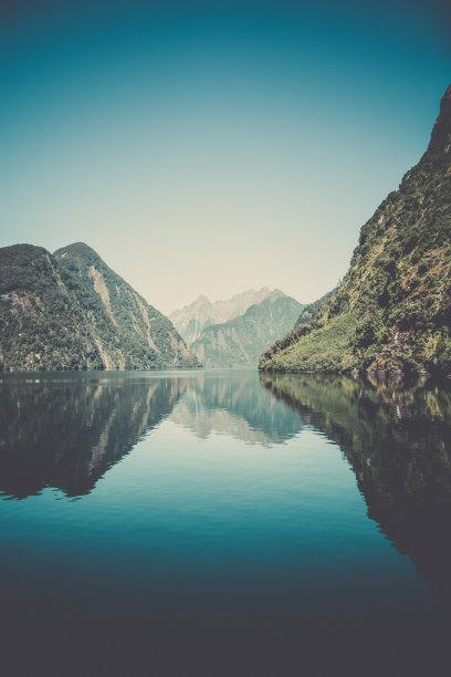 米佛峡湾新西兰地形