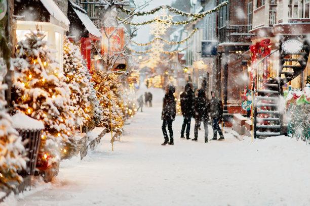 圣诞雪天街道