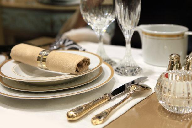 餐位瓷器米色