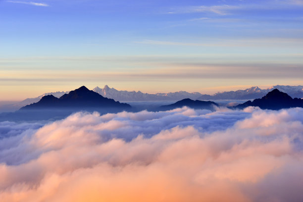 自然美山雪山