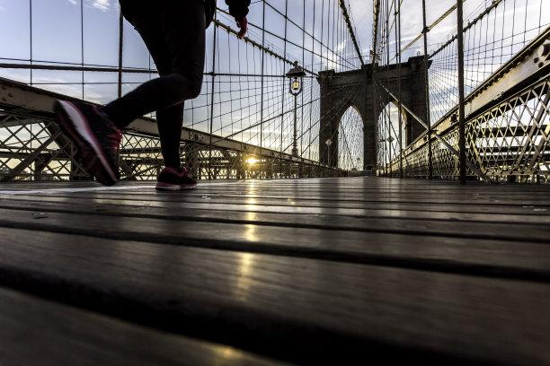 布鲁克林桥纽约慢跑