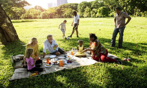 户外家庭野餐