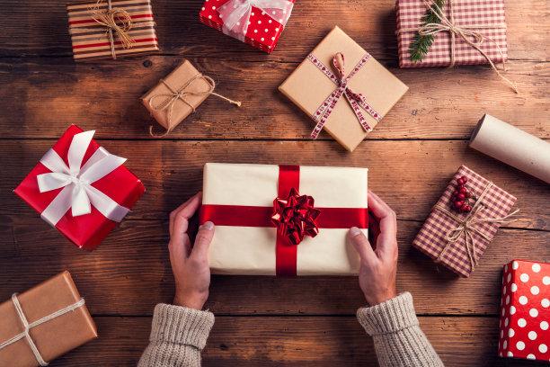 准备圣诞节礼物背景
