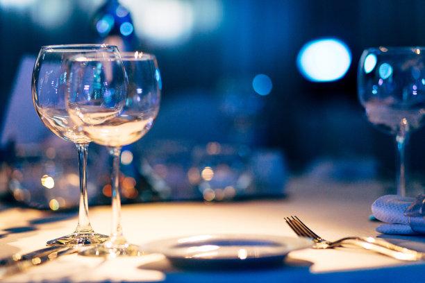 华贵餐厅餐位