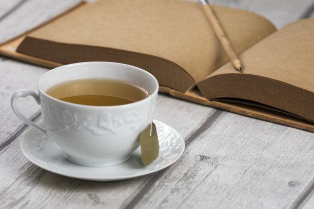 笔记本茶杯茶包