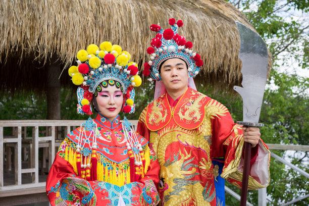 演出服传统女人