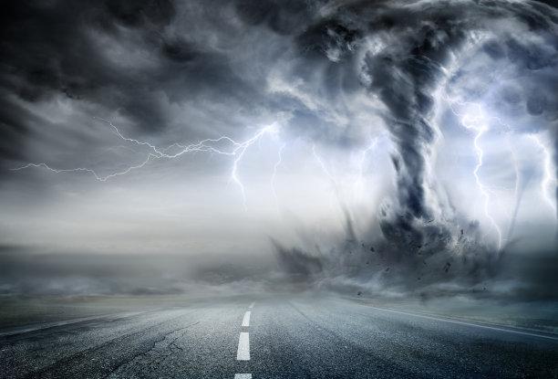 龙卷风暴风雨路