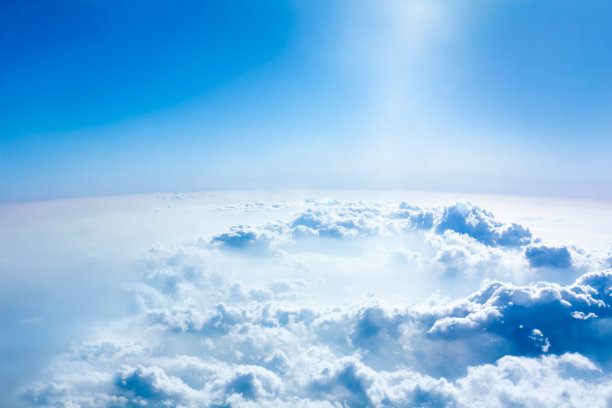 云飞机天空