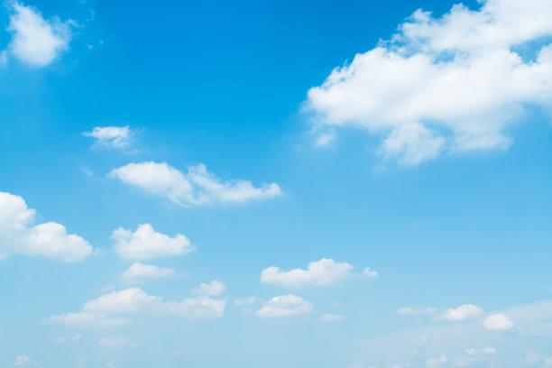 浅蓝色天空仅天空