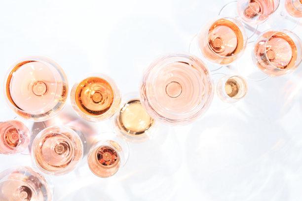 淡红葡萄酒大量物体多样
