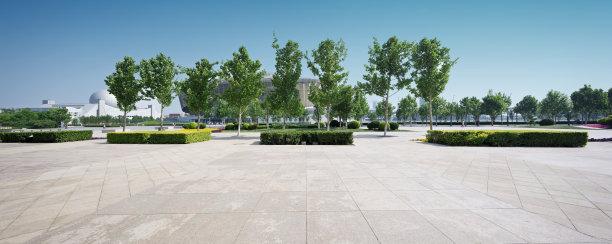 市区空的路方形画幅