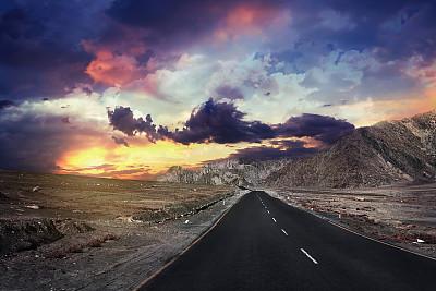 山路山口喜马拉雅山脉