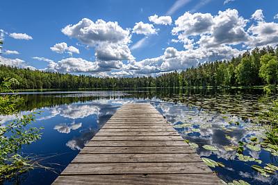 湖,木板路,云
