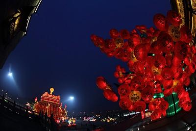 红色灯笼中国元宵节