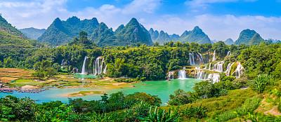 山水瀑布风景