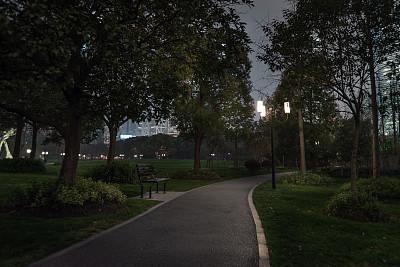 公园的夜晚