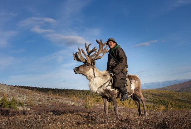 古老的蒙古人男人