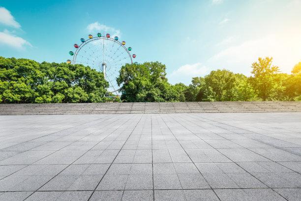公园游乐场广场