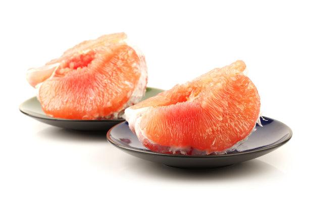 去皮的葡萄柚水果