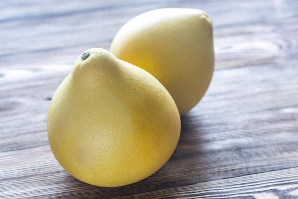 两个物体柚子水平画幅