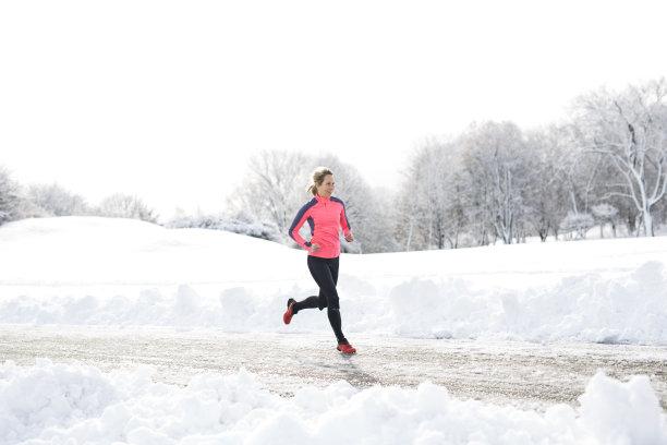 运动冬天季节