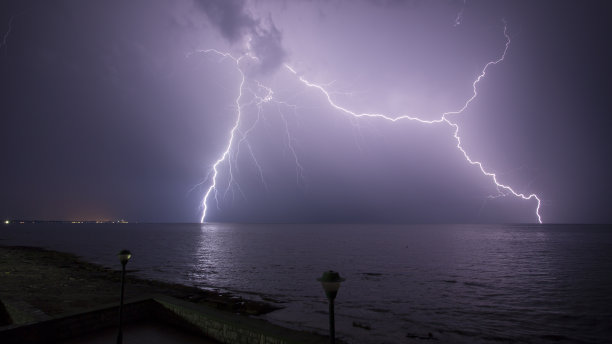 夜晚亚得里亚海天空