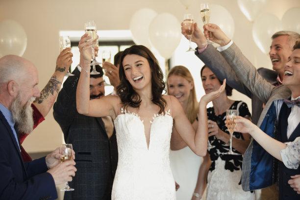 新娘舞蹈图片