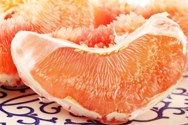葡萄柚去皮的水果